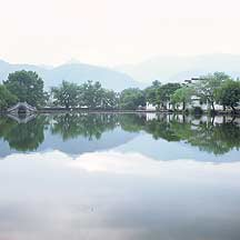 Picture of ��� - �Ϻ� Hongcun village - Nanhu (South Lake)