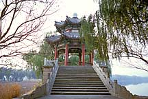 Picture of 桥亭 Pavillion atop a bridge