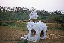 Picture of 南京六朝石刻--麒麟 Nanjing Six Dynasties Stone Beasts--Qil