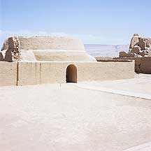 Picture of �߲�ʳ� Gaochang Ruins - adobe structure