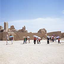 Picture of �߲�ʳ� - �ο� Gaochang Ruins - Tourists